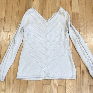 Beautiful VNECK cream with glitter look sweater